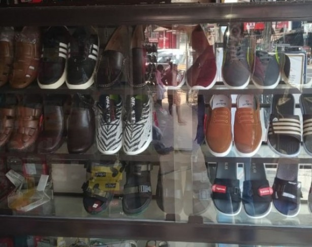 VALAYIL FOOTWEAR
